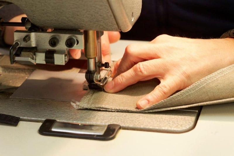 Manufaktur Morgentau, Polstermöbel mit hochwertigen Stoffen, Nähmaschine, Produktion