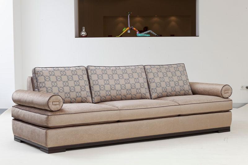 Luxus Sofa von Morgentau, hochwertiger Stoff, Farbe Beige Muster